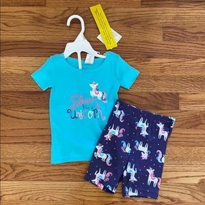 Two piece pajama set size 6-12 months NWT